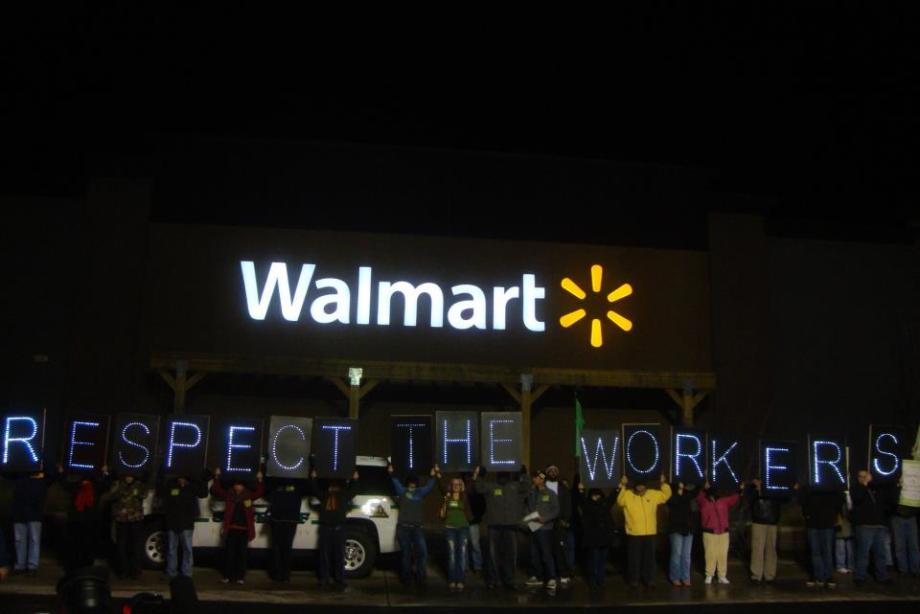 Advocates of Walmart workers in front of store on Black Friday's Night (Photo courtesy by Overpass Light Brigade)