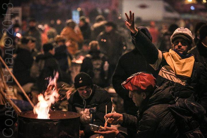 Вночі Євромайдан не спить
